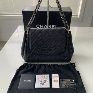 100% Auth CHANEL Black Quilted Caviar Leather Flap